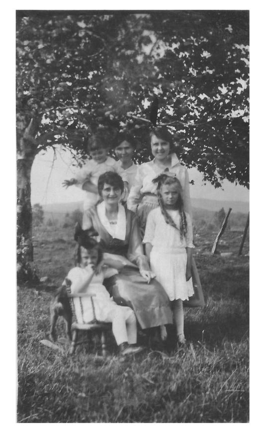 Daily and Dubé family