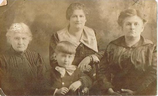Emilie Blais, Aglaé, Aurore et son garçon