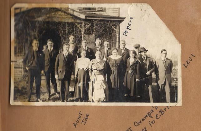 original-picture-of-the-lagasse-family