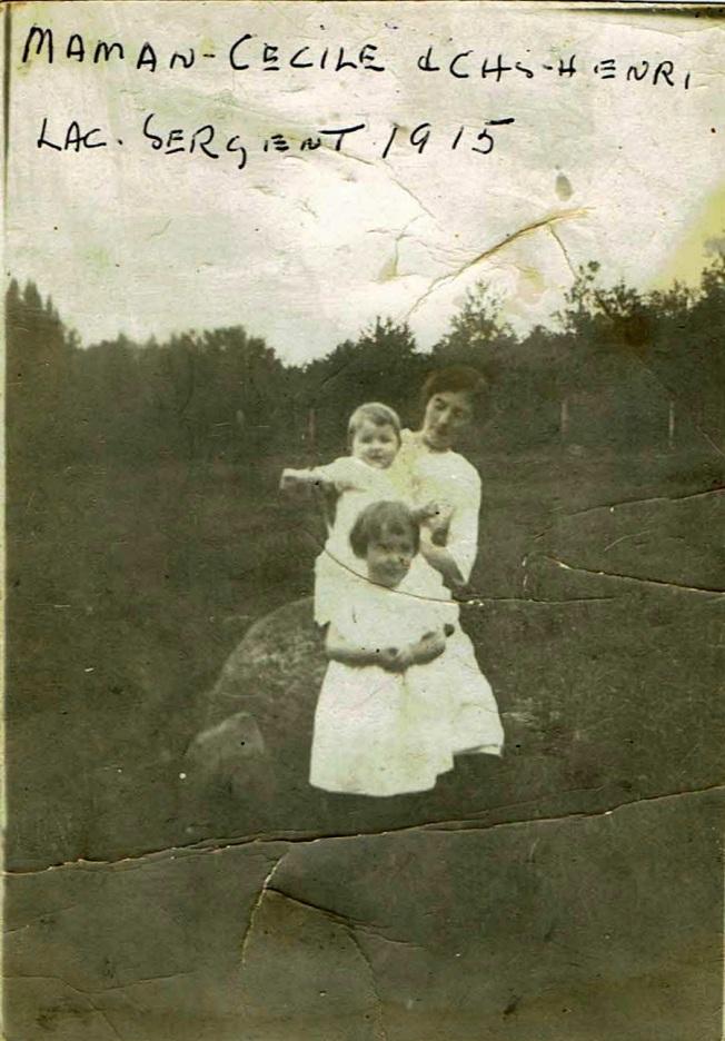 Grand-Maman Alvine avec Cécile et papa dans ses bras en 1915