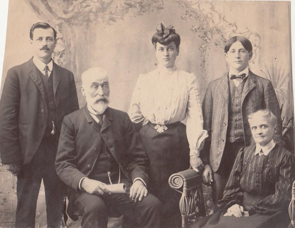 57 - Borduas, Pierre et Adelaide (environ 1880)(1)